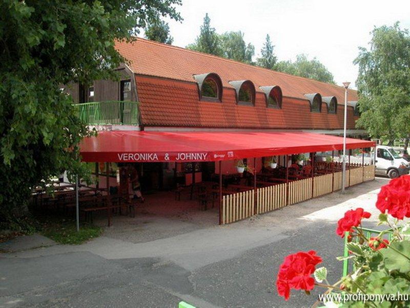 Ponyva terasz étterem részére