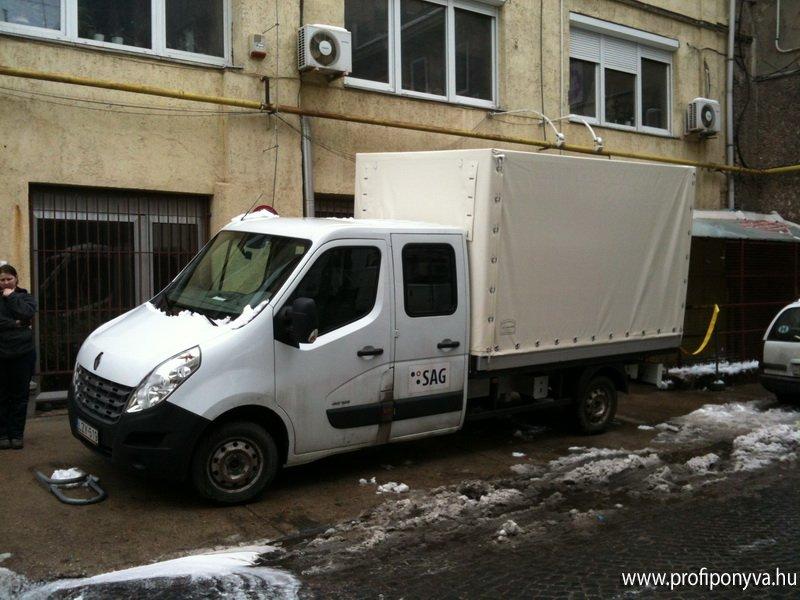 Fehér teherautó ponyva